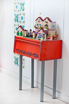 Bread bin - table for lego! #recycle