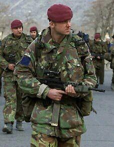 British Para. British Royal Marines, British Army Uniform, British Armed Forces, British Soldier, Military Beret, Military Men, Military History, United Nations Security Council, Parachute Regiment