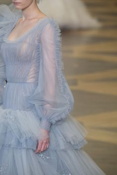 Ulyana Sergeenko at Couture Fall 2018 (Details) Best Picture For Runway Fashion For Your Taste You are looking for something, and it is going to tell you exactly what you are looking for, and yo New York Fashion, Runway Fashion, Fashion Women, Fashion Beauty, Fashion Show, Fashion Trends, Women's Fashion, Fashion Stores, Blue Fashion