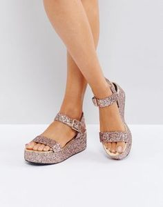 fd7b97f2acd0 Discover the whole range of women s shoe styles with ASOS. From wedged  sandals to sneakers   ballet flats