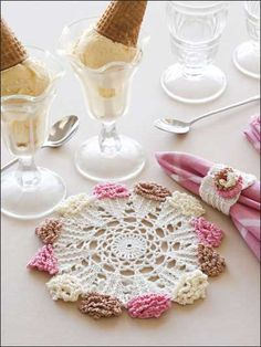 Way too cute: Crochet - Kitchen Decor - Ice Cream Cone Doily & Napkin Ring Free Crochet Doily Patterns, Crochet Designs, Free Pattern, Crochet World, Crochet Home, Crochet Dollies, Crochet Flowers, Thread Crochet, Knit Crochet