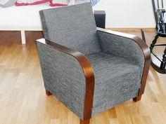 Pormestarin tuoli — Mayor's armchair