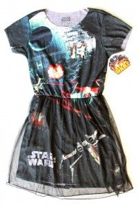 http://www.thekesselrunway.com/review-space-wars-tulle-dress/ #thekesselrunway #starwarsfashion