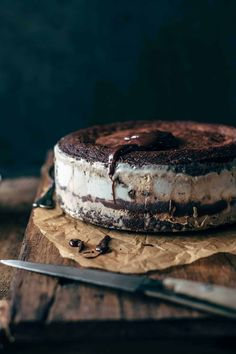 Serve up this fudge brownie ice cream cake. A layered ice cream cake that has brownies and ice cream. The best ice cream cake recipe ever. Ice Cream Desserts, Frozen Desserts, Just Desserts, Food Cakes, Cupcake Cakes, Baking Cakes, Chocolate Fudge Sauce, Chocolate Chip Cookie Dough, Chocolate Desserts