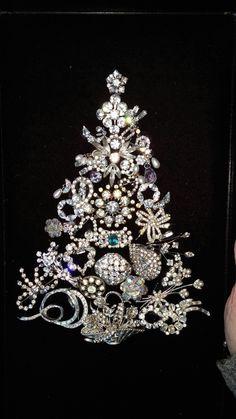 Beautiful Costume Jewelry Crafts, Vintage Jewelry Crafts, Recycled Jewelry, Jewelry Frames, Jewelry Tree, Yoga Jewelry, Hippie Jewelry, Tribal Jewelry, Diy Jewelry