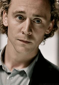 Tom Hiddleston gif