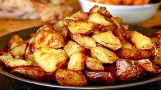 A la recherche d'un accompagnement simple et succulent, je vous suggère ces savoureuses pommes de terre au four avec un ingrédient secret. Un plat qui a connu