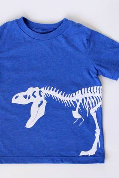 Flocked Dinosaur Tee - made with the Silhouette CAMEO & heat transfer material