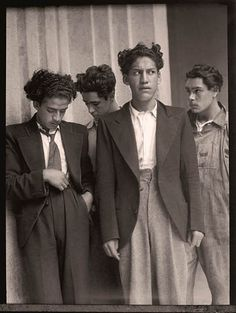 Archivo Casasola: Playboys, Mexico City, ca. Vintage Photographs, Vintage Images, Old Pictures, Old Photos, White Photography, Street Photography, Photography Women, México City, Photographic Studio