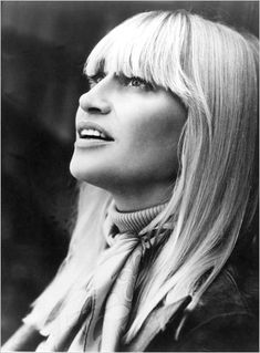 Mary Travers, of Peter, Paul and Mary Fame - The New York Times > Music > Slide Show > Slide 3 of 13 Mary Travers, Peter Paul And Mary, Book Writer, Folk Music, Sound Of Music, Female Singers, Role Models, Music Artists, Rock And Roll