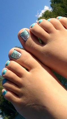 Toe nail design.(: