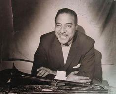 """Dicky Wells fue un músico de jazz de origen estadounidense que tocaba el trombón. Nació un día como hoy, el 10 de junio de 1907. Cortázar lo menciona en el Capítulo 11 de RAYUELA: """" (...) Gregorovius suspiró y bebió más vodka. Lester Young, saxo tenor, Dickie Wells, trombón, Joe Bushkin, piano, Bill Coleman, trompeta, John Simmons, contrabajo, Jo Jones, batería. Four O'clock Drag. Sí, grandísimos lagartos, trombones a la orilla del río, blues arrastrándose, probablemente drag ..."""