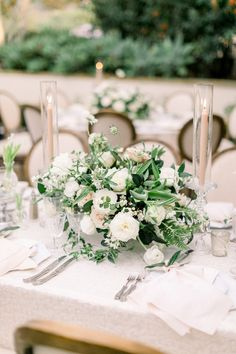 La Tavola Fine Linen Rental: Sutherland Ivory with Tuscany Eggshell Napkins Wedding Table Centres, Wedding Table Centerpieces, Wedding Reception Decorations, Flower Centerpieces, Flower Arrangements, Table Decorations, Spring Wedding Flower Inspiration, Spring Wedding Flowers, Flower Bouquet Wedding