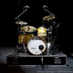 Yamaha Gold Sparkle - Dennis van Hoorn drummer van Najib Amhali. Foto's van Vincent Carmiggelt.