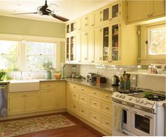 popular paint colors for kitchens dunn edwards bugetti yellow color patterned rug pull out kitchen cabinet large kitchen windows of Popular Paint Colors for Kitchens You Can Choose