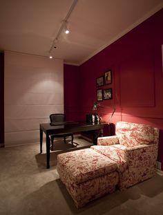 Um décor apaixonante. Veja: http://www.casadevalentina.com.br/projetos/detalhes/uma-reforma-de-sucesso-606 #decor #decoracao #interior #design #casa #home #house #idea #ideia #detalhes #details #style #estilo #cozy #aconchego #conforto #casadevalentina #homeoffice #office #escritorio
