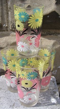 """(Hazel Atlas)These drinking glasses are so pretty!  There are 4 total, each measure 5"""" tall by 3"""" wide. They are without any cracking or chipping."""