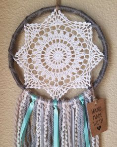 Beautiful Handmade Dreamcatcher with Doily Center on 8 hoop. Entire piece is approx long. Dream Catcher Patterns, Dream Catcher Mandala, Lace Dream Catchers, Dream Catcher Boho, Crochet Tote, Diy Crochet, Crochet Tablecloth, Crochet Doilies, Doily Patterns