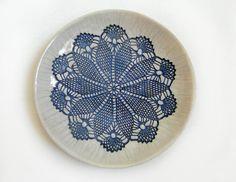 """Keramik Geschirr Set Teller Schalen 4 Stück """"Shabby Chic """" weiß blau Art Deco Geschenk Dekoration Haus Dekor Einzugsgeschenk von KunstLABor auf Etsy more: www.etsy.com/de/shop/KunstLABor?ref=hdr_shop_menu"""