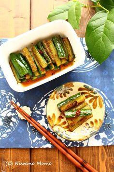 ご飯がすすむ * ピリ辛きゅうり Hot Dogs, Zucchini, Vegetables, Ethnic Recipes, Food, Vegetable Recipes, Eten, Veggie Food, Meals