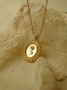 Mrs Necklace, Diamond Bar Necklace, Gold Necklace, Pendant Necklace, Gold Bracelets, Diamond Earrings, Emerald Necklace, Coin Pendant, Simple Necklace