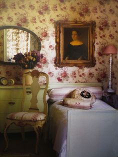 Lovely romantic inspiration for the bedroom  © Maison romantique Nov.2012