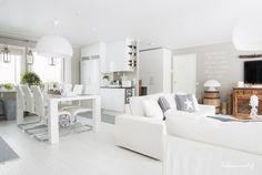 Ideas que mejoran tu vida Living Room White, Home Living Room, White Sectional, Boho Deco, Scandi Home, My Ideal Home, Design Case, White Decor, Decor Interior Design