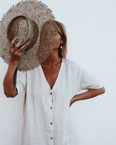 photo inspo | photography | inspiration | portrait | summer | tan | white button dress | straw hat | blonde | tanned | summer