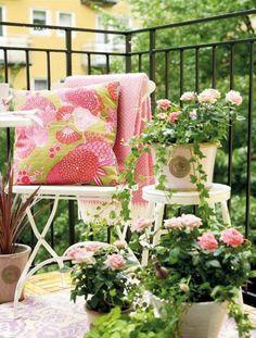 55 Balkonbepflanzung Ideen - Tolle Blumen Für Balkon Arrangieren ... Balkon Ideen Blumenkasten Gelander