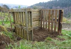 How to build an Easy Wooden Compost Bin using pallets. A pallet compost bin takes ten minutes to build & creates space for converting waste to compost. Recycled Pallets, Wooden Pallets, Wooden Compost Bin, Pallet Building, Kitchen Waste, Diy Herb Garden, Wooden Posts, Diy Garden Projects, Garden Ideas