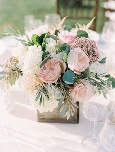 blush and greenery wedding centerpiece wedding centerpieces 20 Blush Wedding Centerpiece We Love Blush Wedding Centerpieces, Blush Centerpiece, Pink Flower Centerpieces, Flowers Vase, Square Vase Centerpieces, Diy Flowers, Summer Centerpieces, Flowers Decoration, Rustic Flowers