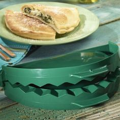 Spice up your next grilling night with the Big Green Egg Large Calzone Press and make tasty calzones fresh with your favorite ingredients!. Bell EST: 1989