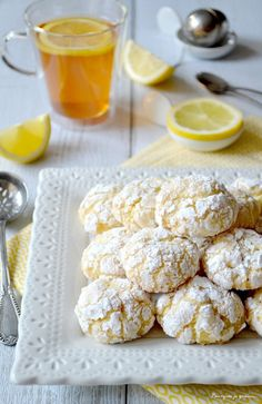 Journal des Femmes : Biscuits moelleux au citron, Biscotti morbidi al limone Lemon Biscotti, Biscotti Cookies, Cake Cookies, Cookie Recipes, Dessert Recipes, Delicious Desserts, Yummy Food, Desserts With Biscuits, Low Carb Recipes