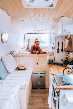 Home is where you park it! Tiny House Movement // Tiny Living // Tiny House on Wheels // Van Life Movement // Van Life // Tiny Home // Architecture // Home Decor Camper Life, Camper Van, Bus Life, Camping Vintage, Vintage Campers, Vintage Motorhome, Vintage Trailers, Kombi Home, Camper Kitchen