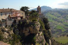 Scorci di Montefalcone verso la Chiesa di S Michele #marcafermana #montefalconeappennino #fermo #marche