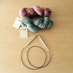 Probando cosas nuevas, lanas Beiroa y agujas cúbicas!! #punto #cosasbonitas #knitting #knitt #knittingaddict #knitting_inspiration #knittinglove #knitpro #tejermola #wolle #beiroa @queliodehilo