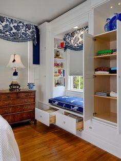 bedroom built-in closet