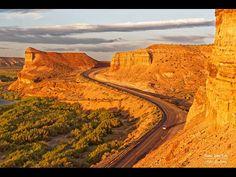 Valle de Los Altares, pcia. de Chubut Best Memories, Aerial View, Peru, Monument Valley, Chile, Mystic, The Good Place, Villa, Country Roads