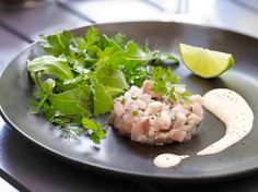 Makreeltartaar met kruidensalade