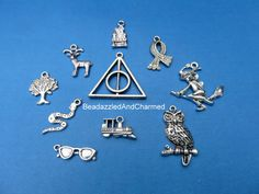 Harry Potter pendentif Charm Mix par BeadazzledAndCharmed sur Etsy