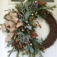 44 Elegant Rustic Christmas Decoration Ideas That Stands Out Wreaths With Color Scheme. Decor Front Yard Luxury Classic Outdoor Pre Lit Garland Traditional And Garlands By Frontgate - Gardenide Noel Christmas, Rustic Christmas, Christmas Ornaments, Ball Ornaments, Luxury Christmas Decor, Christmas Jokes, Christmas Reath, English Christmas, Christmas Planters