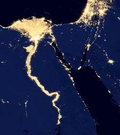 La Terre vue de nuit depuis l'espace : la vallée du Nil