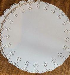Scrappiness: Utfordring #3 Konfirmasjon, bånd og perler Plates, Band, Tableware, Licence Plates, Dishes, Sash, Dinnerware, Griddles, Tablewares