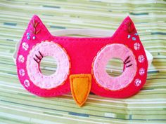 Alex wants to be an owl. Going to make this mask and use the pillowcase wings on my other pin.So easy to make!