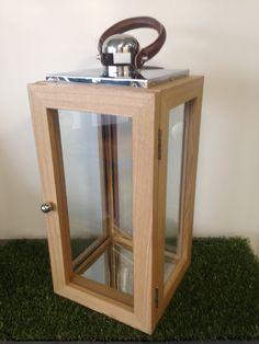 lanterne bois et inox avec anse en cuir 30 x 30 x 65 cm au meilleur prix lekingstore. Black Bedroom Furniture Sets. Home Design Ideas