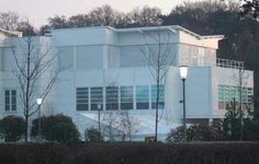 In an ongoing relationship with Merck, Ridge has provided services for a series of laboratory modifications and refurbishment of space to create new laboratories.   Ridge were approached to provide cost advice on a proposed 300m² laboratory and office extension to the South Wing and advise how this might be procured.