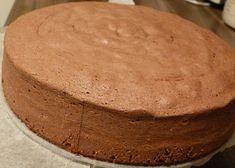 hotový korpus - necháme chladnout Czech Desserts, Sweet Desserts, Sweet Recipes, Czech Recipes, Russian Recipes, Baking Recipes, Cake Recipes, Healthy Diet Recipes, Fondant Cakes