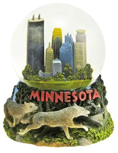 Minnesota snow globe from snowdomes.com
