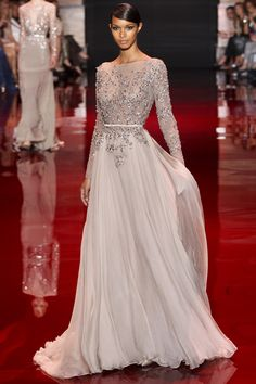 Elie Saab Couture #love #fashion #eliesaab #longsleeve #maxi #gown #cream #offwhite #belt #embroidery