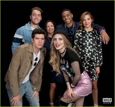 famous in love bella thorne nyc press 01